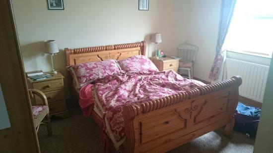 Craig Cottage Bed & Breakfast: Toll!