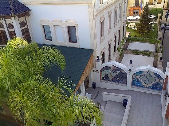 Hotel Kazar: al fondo su terraza