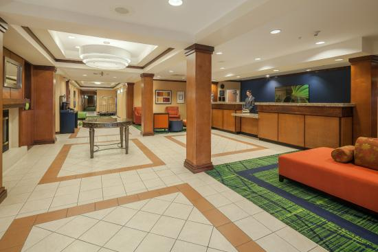 Fairfield Inn & Suites Jacksonville Beach: Lobby