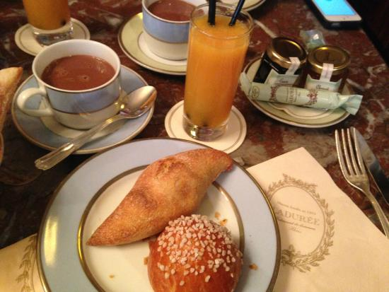 petit dejeuner picture of laduree paris tripadvisor. Black Bedroom Furniture Sets. Home Design Ideas