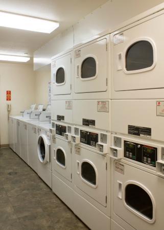 Value Place Norman: Guest Laundry