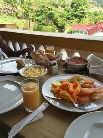 Julietta's: Breakfast spread