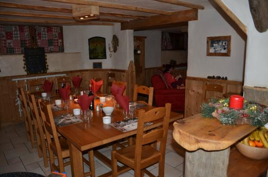 Chalet Bonjour-Bivouac: Dining room