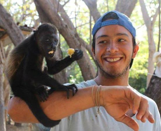 Playa Ocotal, Costa Rica: A volunteer at The Monkey Farm