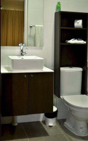 Curacao Airport Hotel : They modernize the room and bathroom