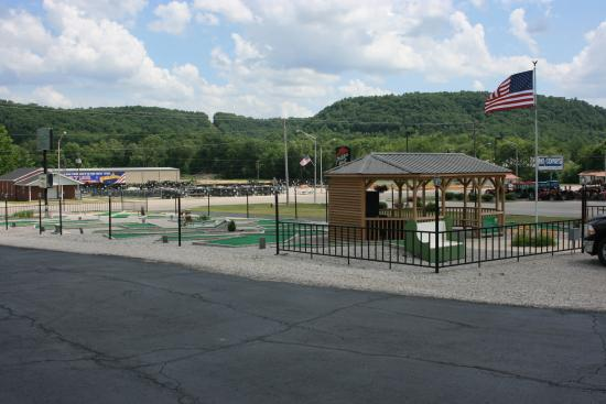 Liberty, KY: Enjoy the gazebo with friends and family.