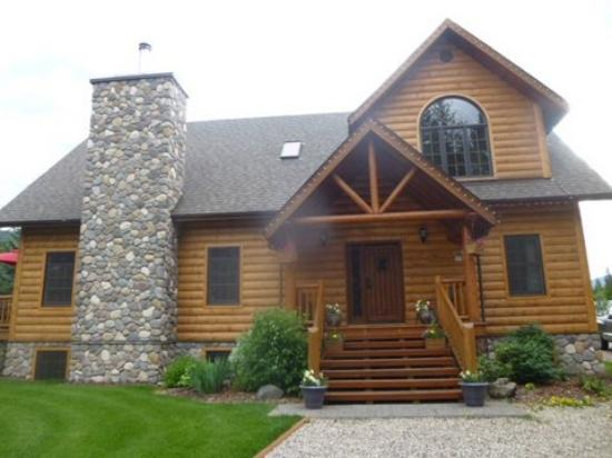 Canadian Bear Guesthouse: Beautiful home