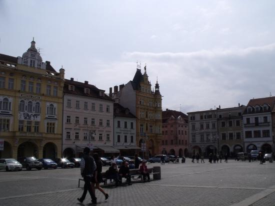 Palace Včela : O palácio mais ao fundo da praça