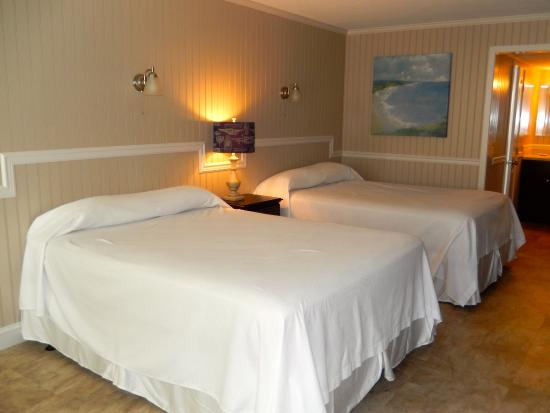 Tradewinds Motor Lodge: One of our beautiful newly renovated rooms