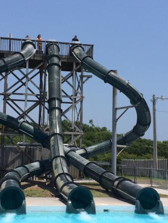 Tallest tubs at the park - Picture of Water Boggan, Emerald Isle ...