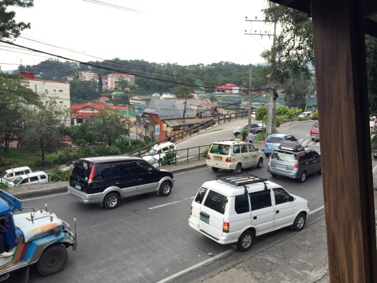 El Cielito Hotel Baguio: Room was decent, in room purchased food was good, but breakfast and buffets are not of very good