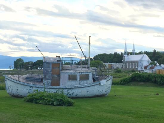 L'Isle-aux-Coudres, Canada: A voir Delon l'exposition du soleil