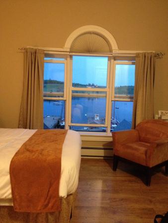 Lunenburg Arms Hotel: Room view