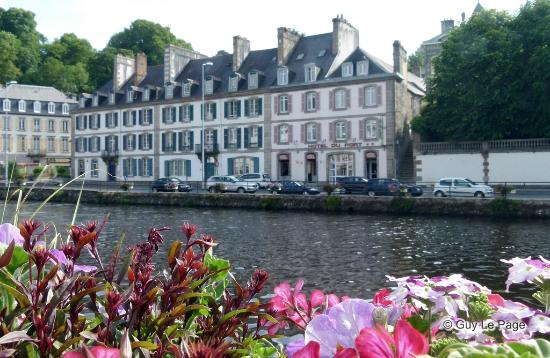 Hotel du Port : L'hôtel depuis la Rivière de Morlaix