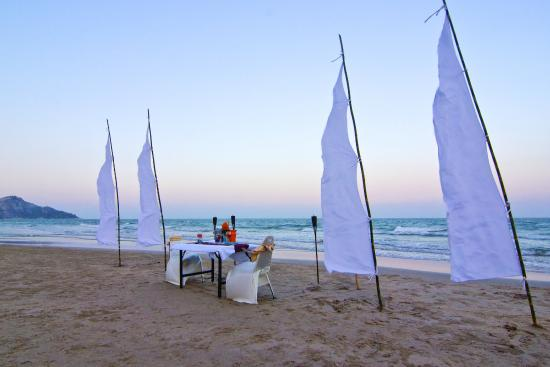 The Rock Hua Hin Resort: beach