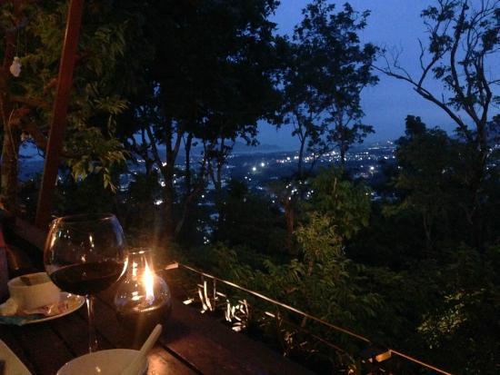 Khao Rang Breeze Restaurant: restaurant