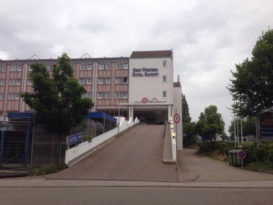 Best Western Hotel Rastatt: Hotel is momenteel in verbouwing. We hebben geen diner genoten maar in de directe omgeving gaan