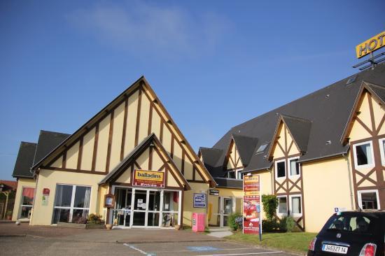 Hotel le pavillon de rouen franqueville saint pierre for Le garage rouen tarifs