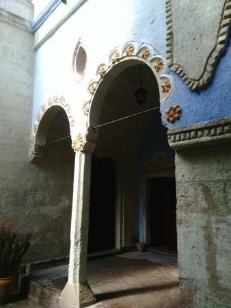 Gul Konaklari - Sinasos Rose Mansions: Gecis