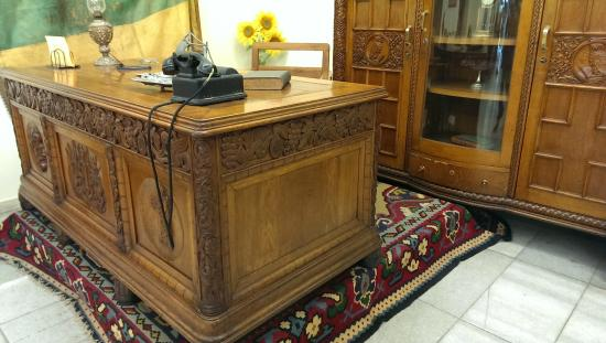 History of Varna Museum: Desk