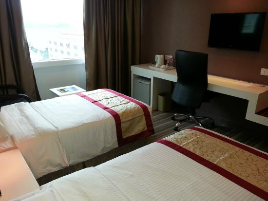 Hotel Capital: NEWLY RENOVATED STANDARD ROOM