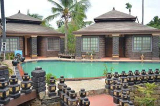 Bagan Princess Hotel: Hồ bơi