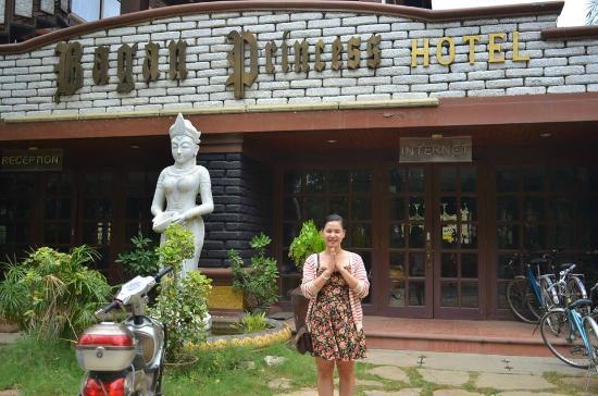 Bagan Princess Hotel: Mặt tiền khách sạn