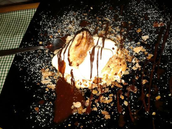 Il Cipresso: Scomposta di pasta sfoglia.......deliziosa
