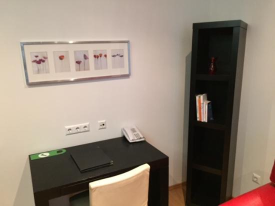 The Levante Laudon: Wohnzimmer Schreibtisch