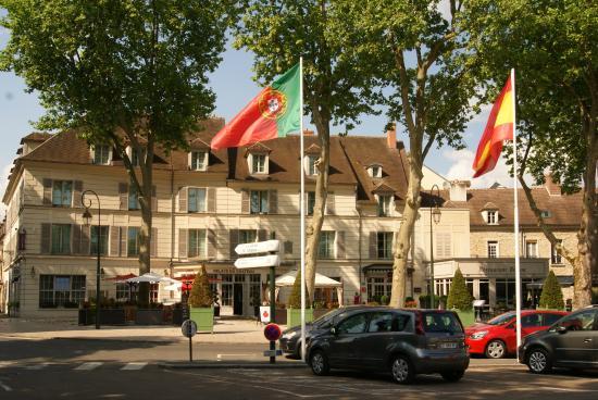 Mercure Rambouillet: Außenbereich