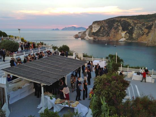 Matrimonio buffet aperitivo(angolo crudi di pesce) - Picture of ...