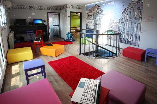 Hostel 360