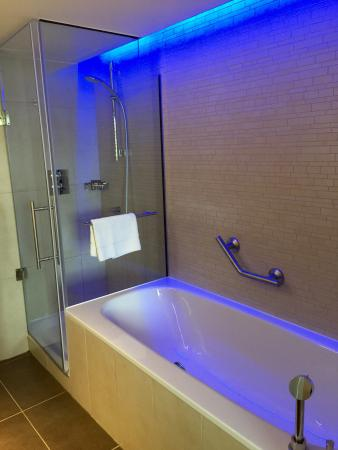 Mood lighting in the bathroom picture of sheraton grand hotel sheraton grand hotel spa mood lighting in the bathroom mozeypictures Choice Image
