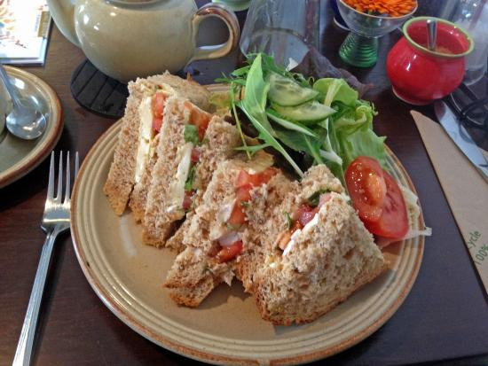 Bridge Cottage Cafe: Ardersier brie and tomato and basil sandwich with local salad