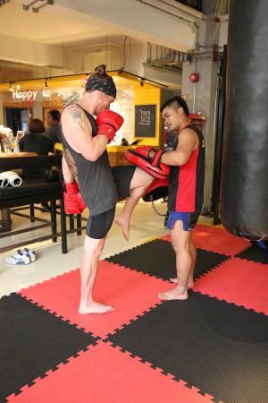 Lub d Bangkok Silom: Free Muay Thai class