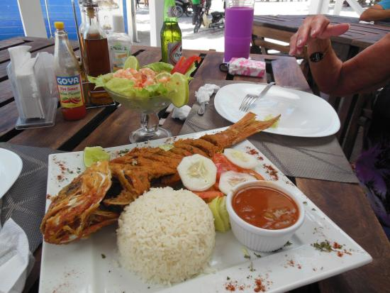 Langosta Del Caribe Restaurant : fresh local catch