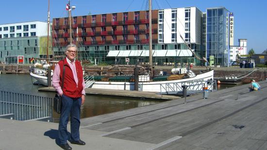 Atlantic Hotel am Flotenkiel: Hafenseitige Front