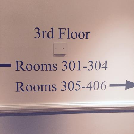 Comfort Inn Buckingham Palace Road: Hotel confortável e simpático. Ótima localização. Atendimento nota 10. Ótimo custoxbenefício