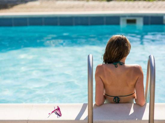 piscine picture of hotel novotel le mans le mans tripadvisor. Black Bedroom Furniture Sets. Home Design Ideas