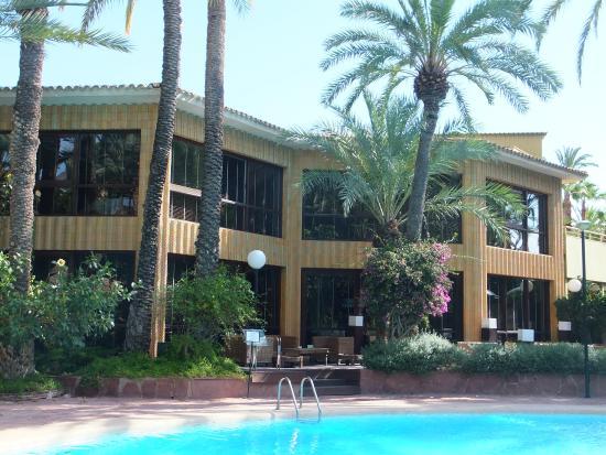 https://media-cdn.tripadvisor.com/media/photo-s/08/2b/1e/ca/hotel-huerto-del-cura.jpg