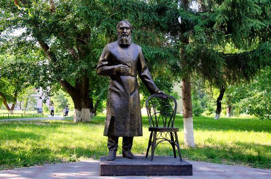 Картинки по запросу памятник распутину в тюмени