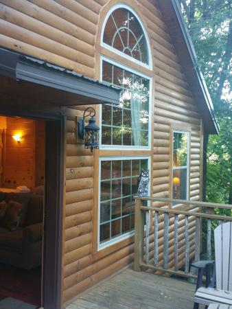Pine cove lodging picture of pine cove lodging for Cabine millersburg ohio paese amish