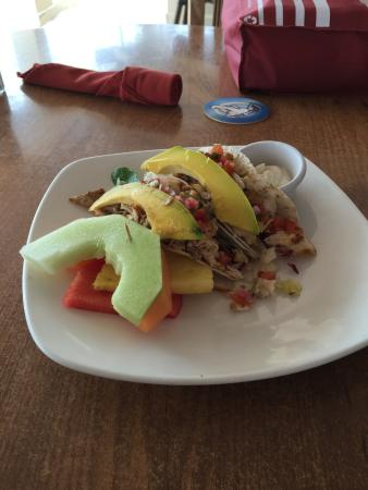 Pega Pega Grill and Beach Bar: Best fish tacos - ever