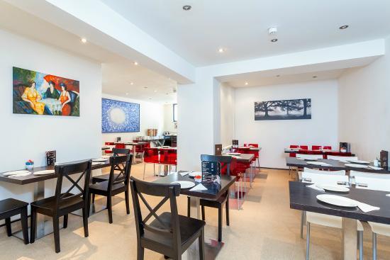 Avni Kensington Hotel Review