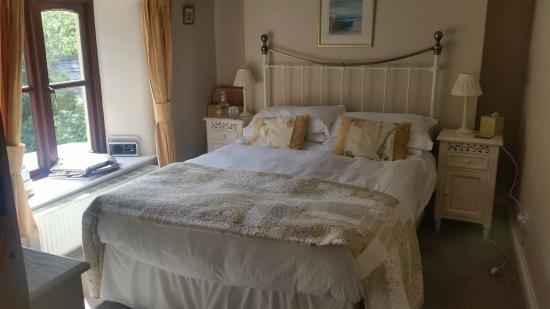 Redgate Smithy B&B: Garden view room