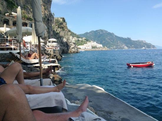 Santa Caterina Hotel: Fun by the pool