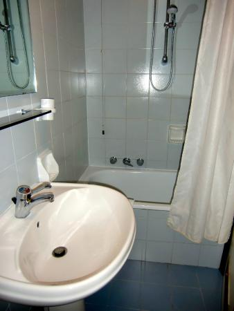 Albergo Carlo Magno Hotel: Hot water was occasionally an issue