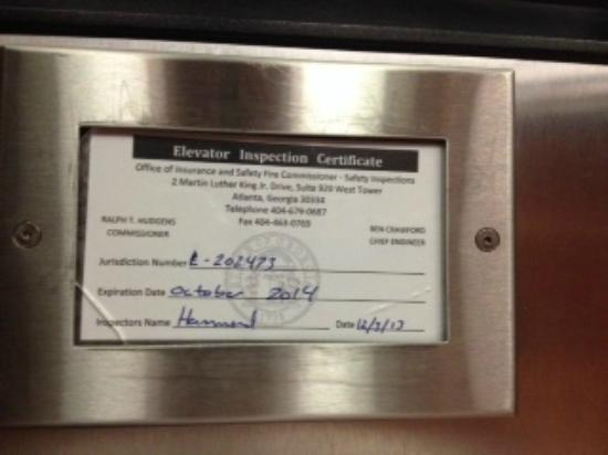 Hampton Inn Columbus-North: Note the expiration date on the elevator inspection