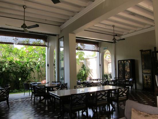 Seven Terraces: peranakan decor