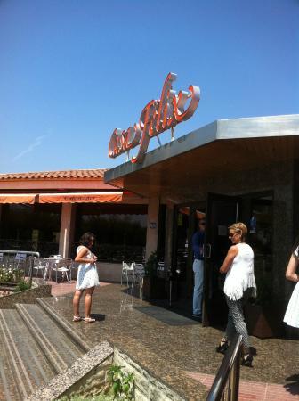 Entrada fotograf a de restaurante casa f lix valls for Felix s fish camp restaurant